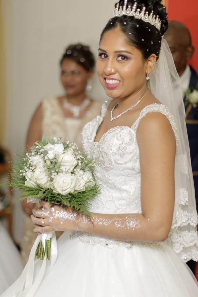 photographie de la mariee dans sa robe