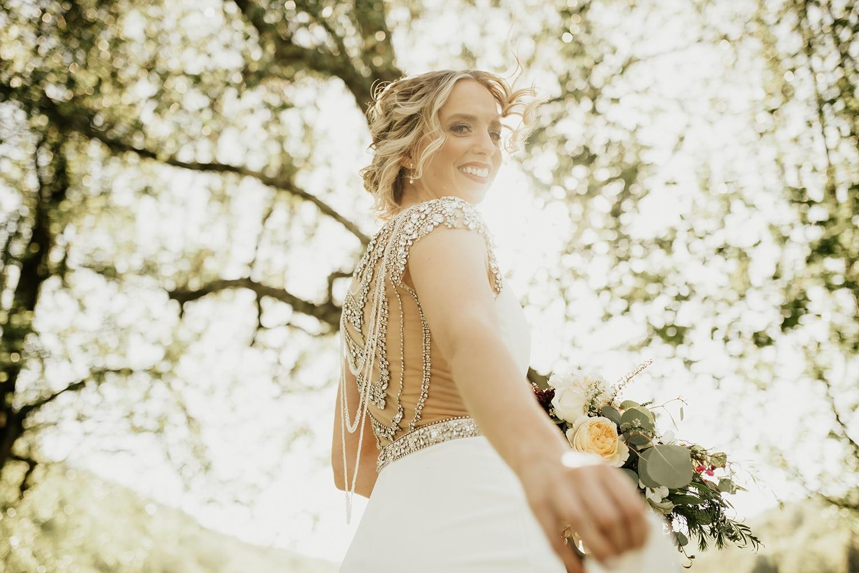 portrait de la mariée en mouvement à paris